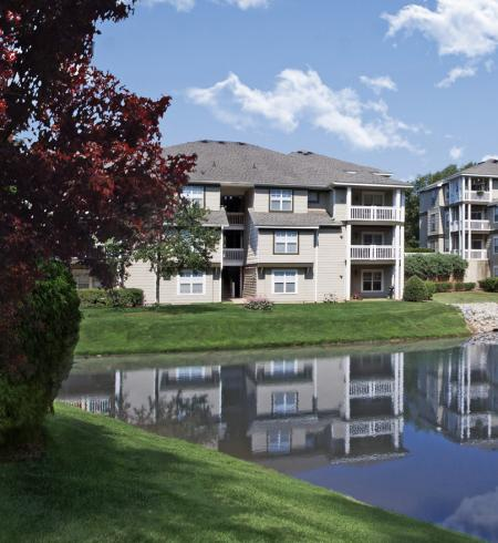 Camden Lake Pine Apartments in Apex, North Carolina